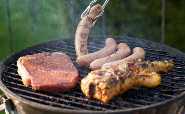 Préparer un barbecue pour 20 personnes